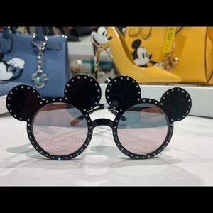 NWT Disney Mickey Mouse Sunglasses